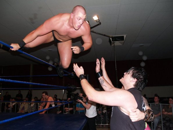 Chris Vice showing that he has the agility to match his power (Credit: EPW)